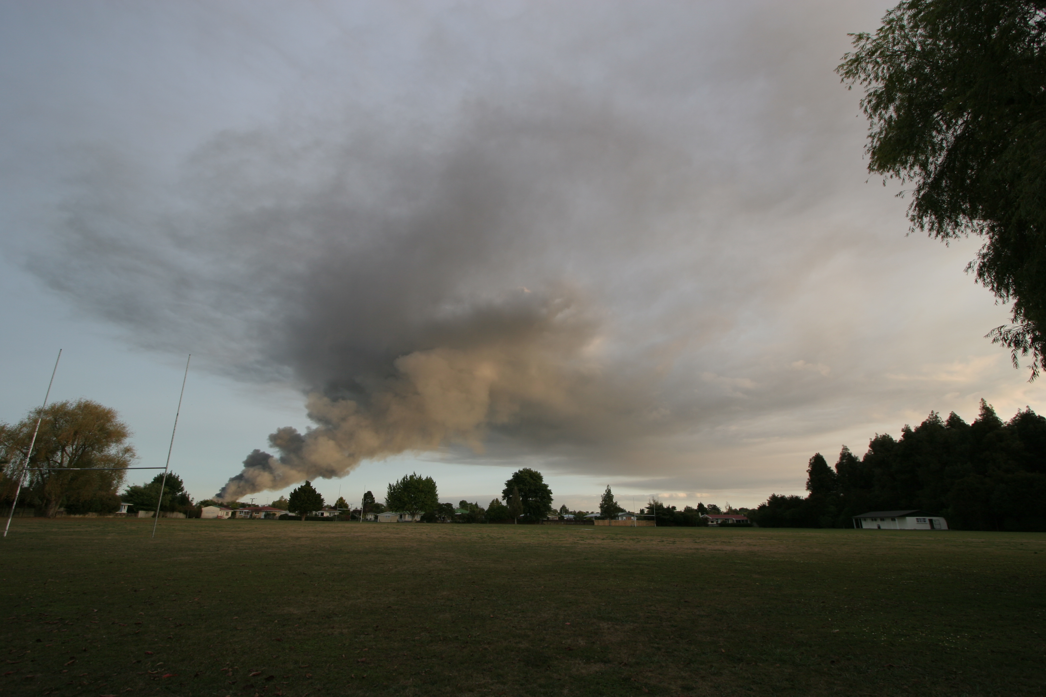 Smoke plume of Tamahere fire